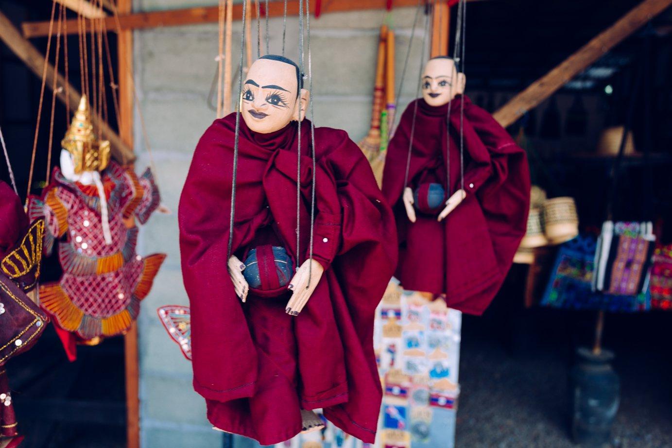 Religijność wwydaniu popkulturowym. Pomachaj sobie mnichem.